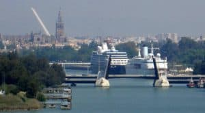 La Junta de Andalucía apoya al Puerto de Sevilla como base logística del sur peninsular